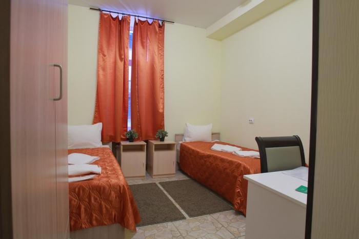 Гостиница 3 звезды «Невский Хаус», Невский проспект 98, Санкт-Петербург, метро Маяковская.