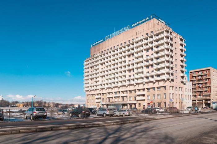 Гостиница «Охтинская» Большеохтинский проспект, 4 лит. А, метро Новочеркасская.
